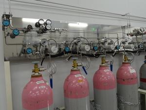 半自動ガス供給設備